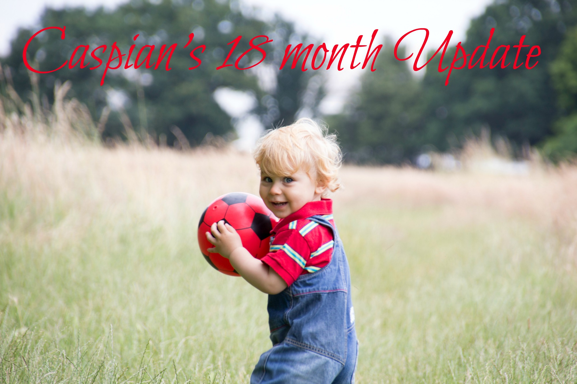 scandimummy-boy-with-red-football