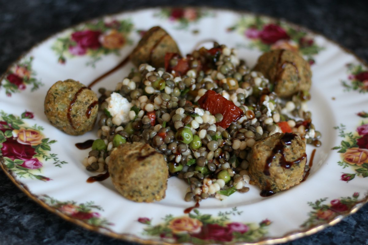 Lentil and goat's cheese salad with falafel from Goodlife