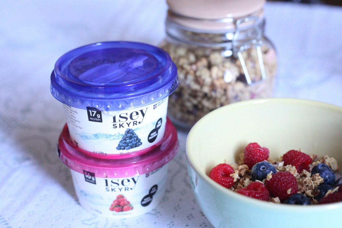 INSPIRING BREAKFAST IDEAS USING ÍSEY SKYR ⋆ scandimummy com