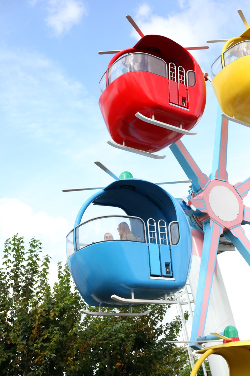 Miss Rabbit's Helicopter ride at Peppa Pig World