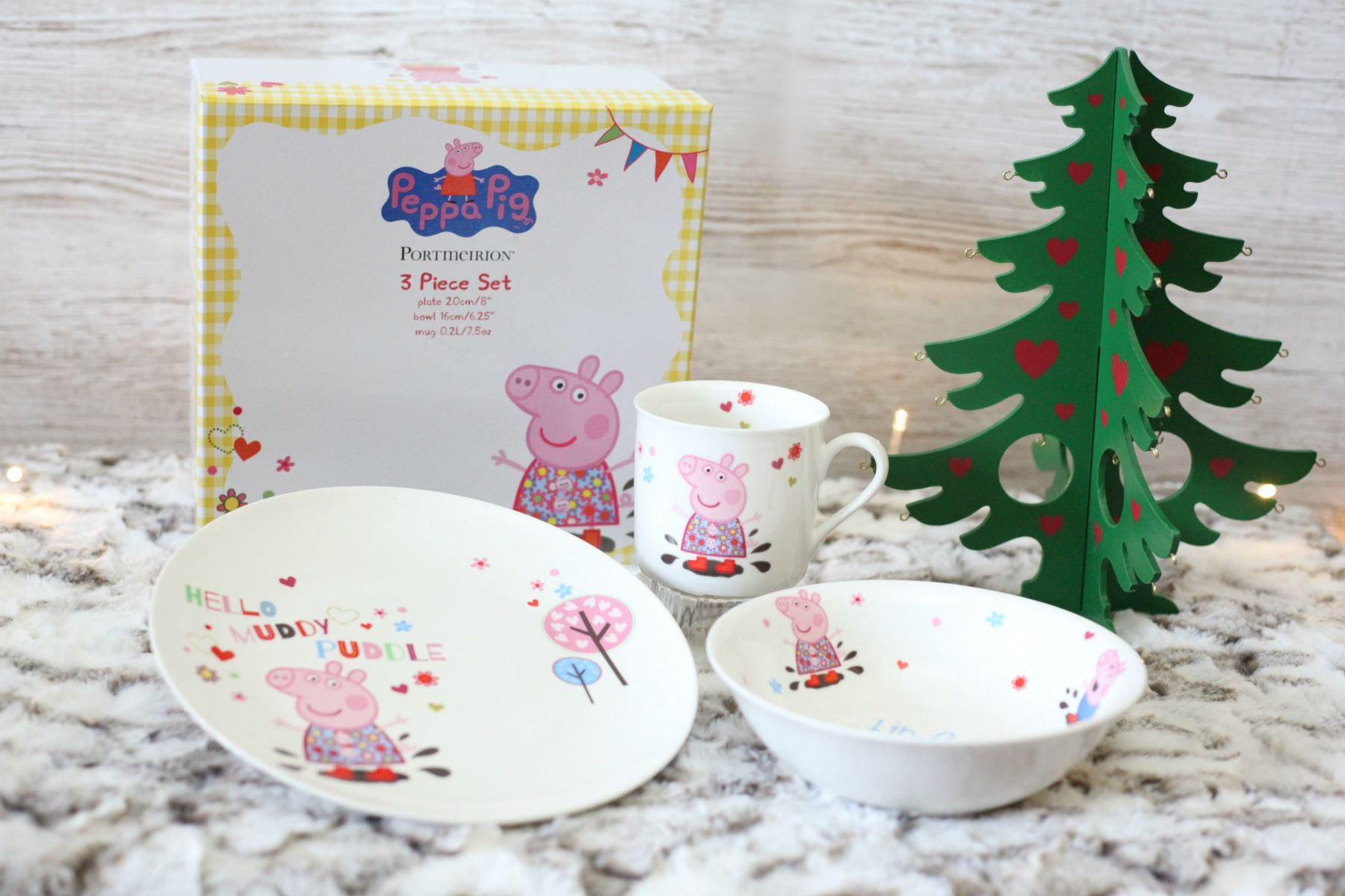 Stuck for toddler Christmas gift ideas? Peppa Pig dinner set is super cute.