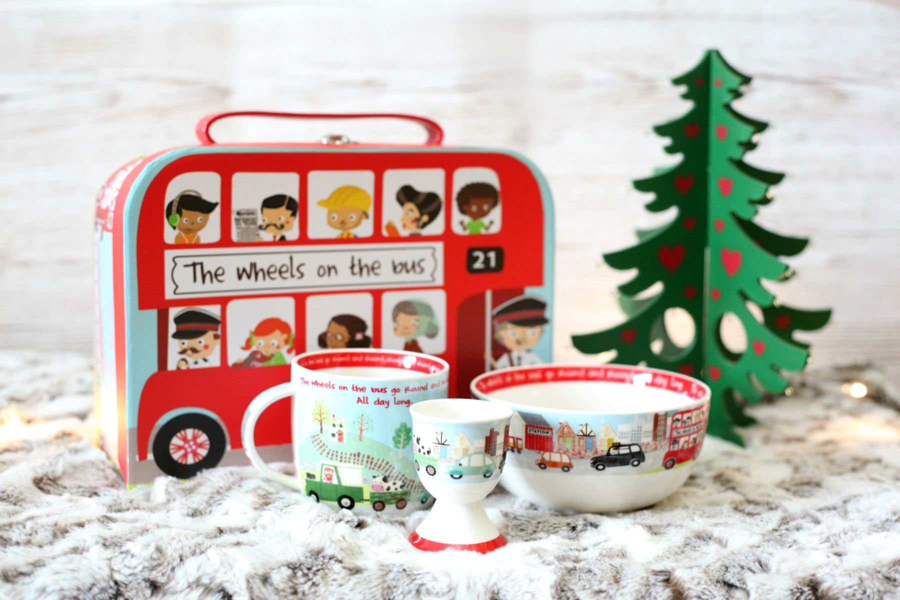 Stuck for toddler Christmas gift ideas? The Wheels of the Bus Breakfast Set