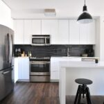 EMBRACE A DARK COLOUR PALETTE IN YOUR KITCHEN